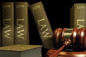 Yaxsi advokatni qanday topish mumkin?